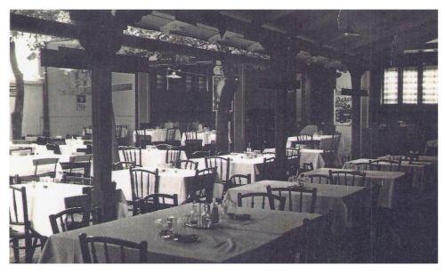 Marosvásárhely:étterem nyári kertje.1944