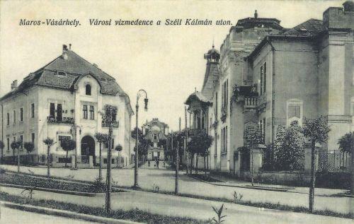 Marosvásárhely:Széll Kálmán út,háttérben a vizmedence.1915