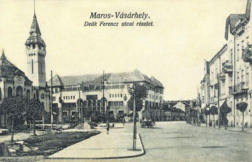 Marosvásárhely:Deák Ferencz utca,balra a városháza és Kulturpalota.1915
