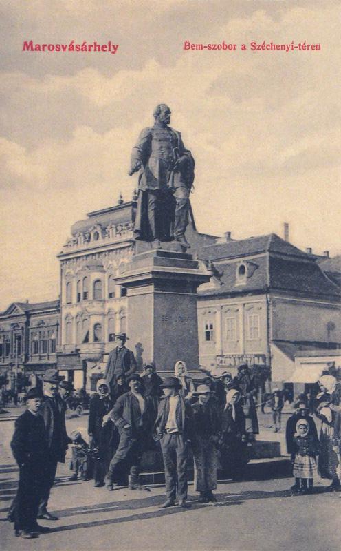 Marosvásárhely:1880-ban felavatott Bem József szobra.1908