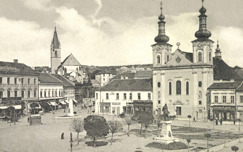 Takarékpénztár,Petőfi-emlékmű,vártemplom,plébánia,Kossuth-szobor,1916.