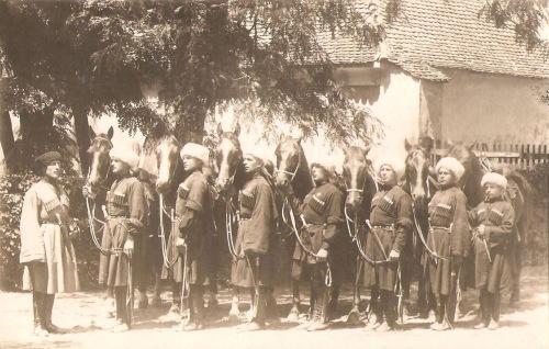 Kozákok lovasbemutatója Marosvásárhelyen,1932-ben.(már nem tértek vissza a Sztálini Szovjetunióba)
