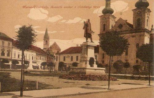 Marosvásárhely:Kossuth park és szobor,balra a Petőfi emlékmű.1916