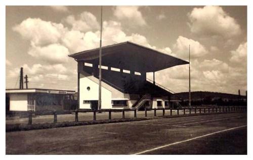Marosvásárhely:fotbal pálya lelátója az Erzsébet ligetben.1939