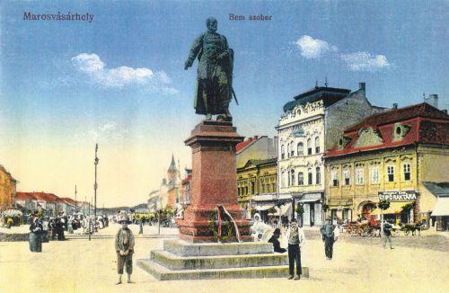 Marosvásárhely Bem József magyar honvéd tábornok szobra.1916