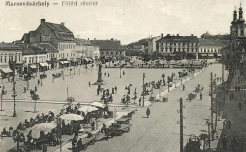 Bem József szobra,hátul a Kossuth-park és szobor, jobbra Petőfi emlékmű,1916