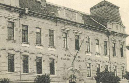 Magyar Királyi Állami Polgári Fiúiskola a Szent Koronás címerrel,1916.