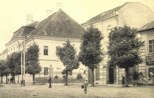 Kendeffy-palota (Királyi Itélőtábla) és a Werbőczi utca,1905-ben .