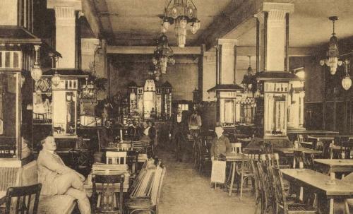 Korzó kávéház,reggeliző,uzsonázó és szórakozó hely,1915-ben.
