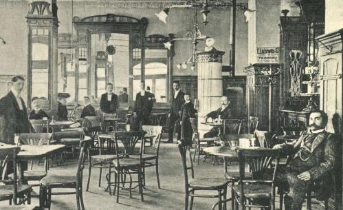 Korzó kávéház,jobbra a tulajdonos:Rechnitzer Andolf,1905-ben.