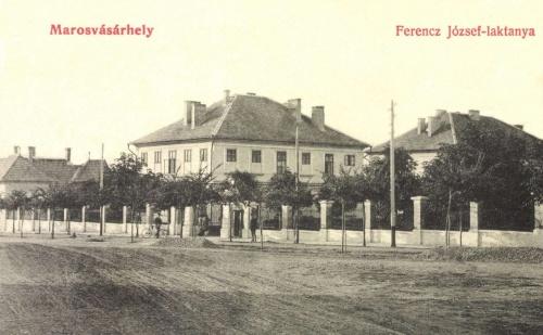 Ferencz József laktanya a Bethlen Gábor utca felől,1907.
