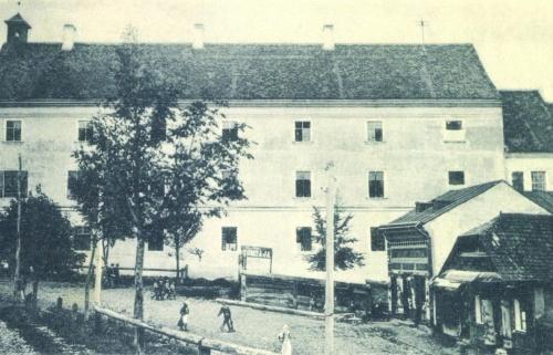 Református Kollégium,(Bolyai),jobbra az iskola nyomdája,1899-ben.