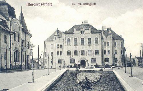balra a Domokos szálloda,1915-ben itt szállt meg Ady Endre és Boncza Berta.1914