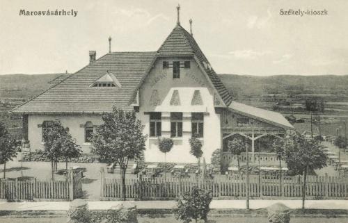 Székely-kioszk:söröző és vendéglő (a mai orvosi egyetemmel szemben),1915.