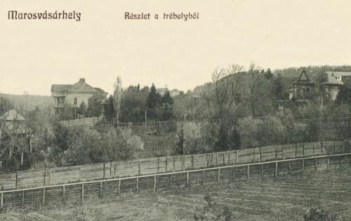 Trébely:balra Dr.Bernády György polgármester villája,1913.