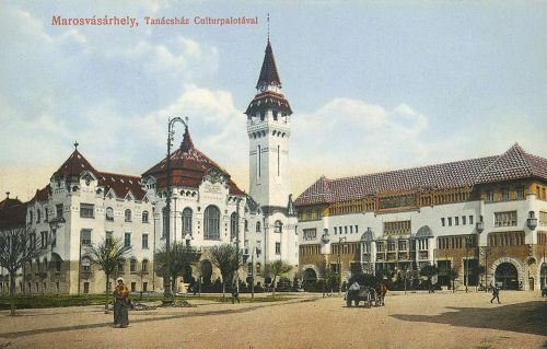 Marosvásárhely,Városháza és Kulturpalota,balra az Erzsébet királyné utca. 1914