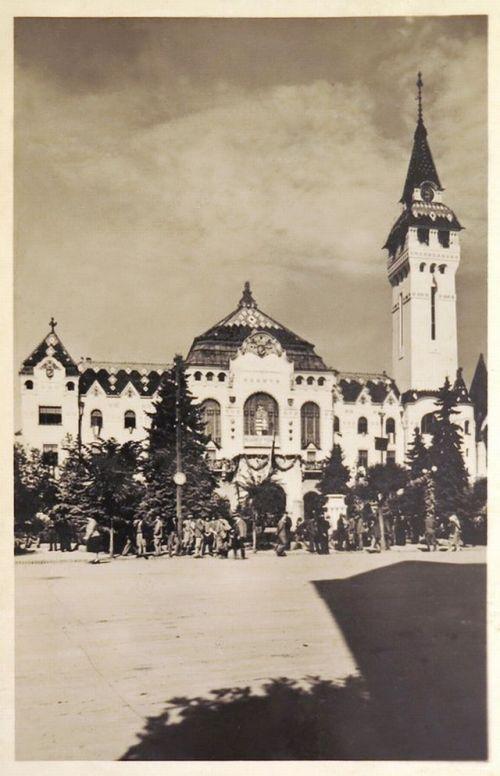 Marosvásárhely:városháza ünnepi diszben.1940