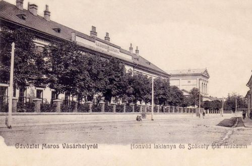 Marosvásárhely:Honvéd laktanya és Székely Ipari Múzeum.1904