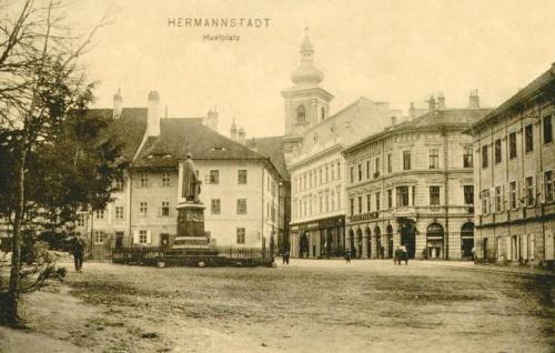 Nagyszeben:Huet tér a Honterus szoborral.1912