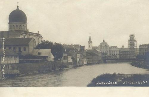 Nagyvárad:balra a zsidó templom,szemben a városháza és a megyeháza.1900