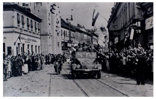 Nagyvárad:magyar honvédek érkezése.1940