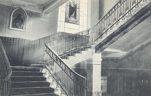 Nagyvárad:leánynövendékek főlépcsője.1914
