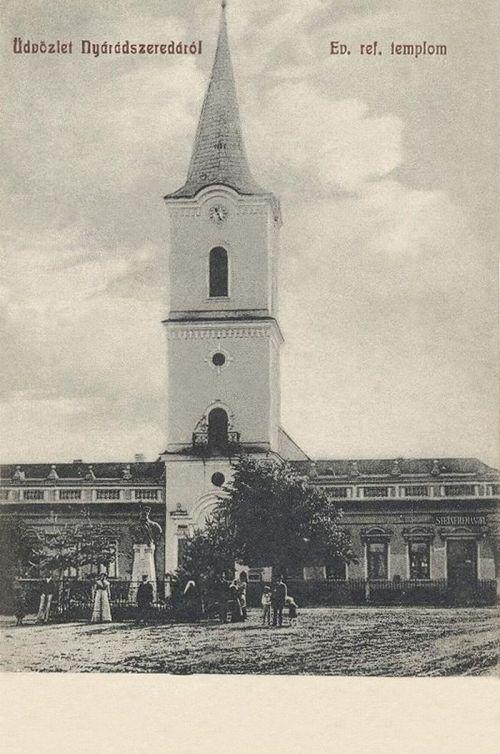 Nyárádszereda:református templom a Bocskay szoborral.1907