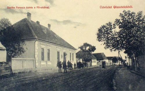 Olasztelek:Bartha Ferencz üzlete a fő utcával.1908