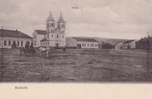 Radnót:Főtér a templommal.1904