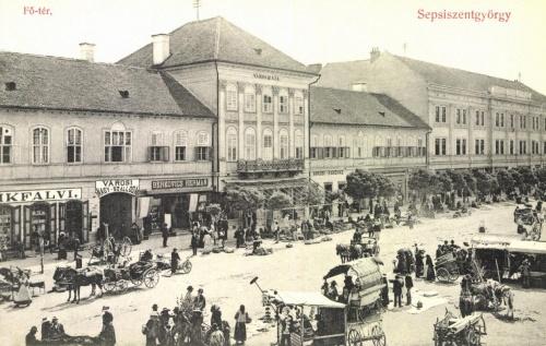 Sepsiszentgyörgy:városháza,szálloda,kávéház,piac, Bikfalvi és Berkovics üzletek,1908.