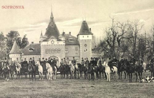 Sofronya:Purgly család kastélya vadászat közben,1911.