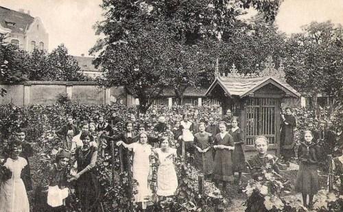 Temesvár:Józsefváros,Iskola nővérek intézet,kertje.1911