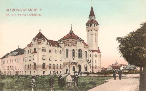 Marosvásárhely:városháza magyar zászlóval,még a Kultúrpalota nélkül.1908