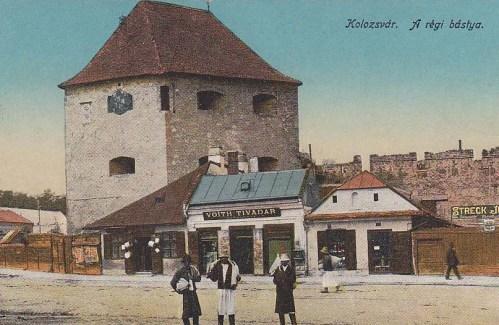 Kolozsvár:Bethlen bástya és Voith Tivarad üzlete.1916
