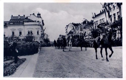 Kolozsvár:lovas honvédek bevonulása.1940