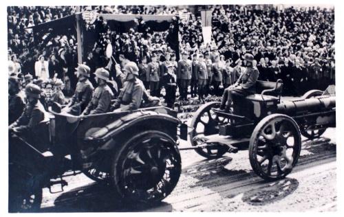 Kolozsvár: magyar tűzérek bevonulása.1940