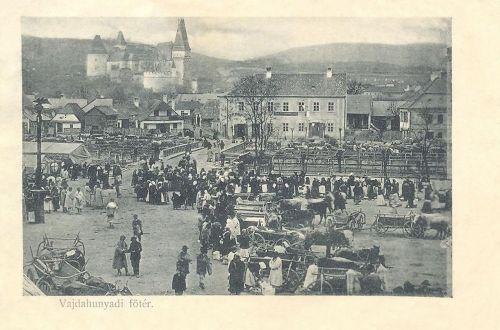 Vajdahunyad:piac a Főtéren.1912