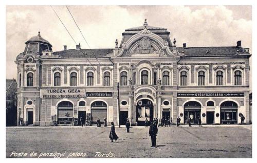 Torda:Gyógyszertár,fűszer kereskedés,liszt raktár.1918