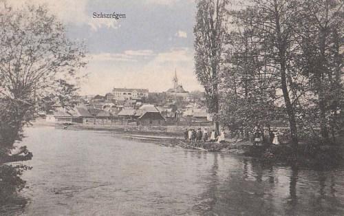 Szászrégen:látkép a Marossal.1912