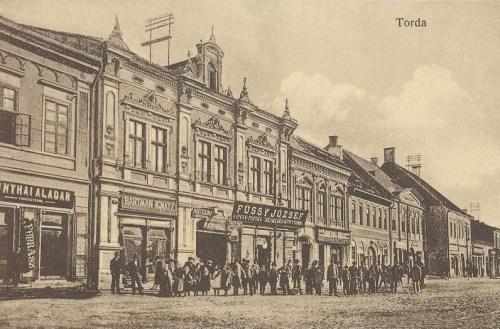 Torda:fodrászat,könyv és papir üzlet és könyvnyomda.1912