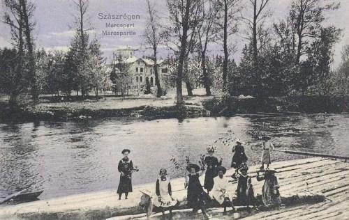 Szászrégen:tutaj a Maros partján.1911