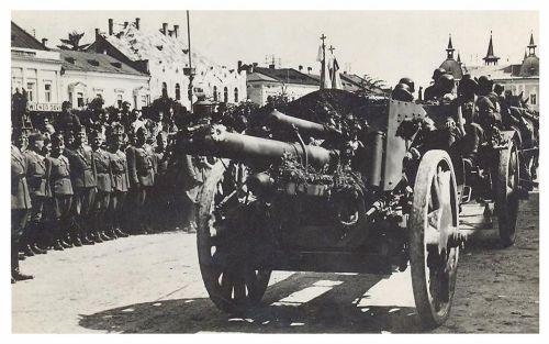 Máramarossziget:magyar tankok bevonulása.1940