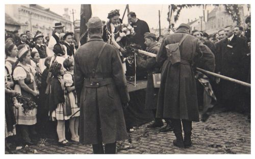 Máramarossziget:magyar honvédek fogadtatása.1940
