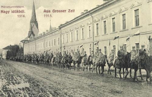 Máramarossziget:fogságba lovagoló orosz tisztek,1915.