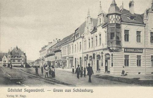 Segesvár:főtéri üzletek.1902