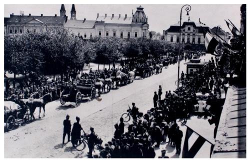 Szatmárnémeti:honvédek felvonulása.1940