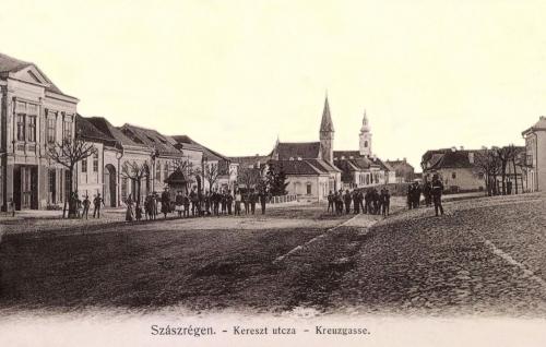 Szászrégen:Kereszt utca a templomokkal,1904.