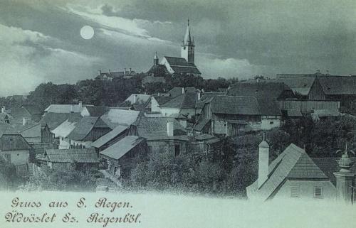 Szászrégen:holdas látkép az evangélikus templommal,1899.