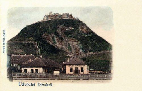 Déva:városi kisdedóvo (óvoda) és a vár látképe.1904
