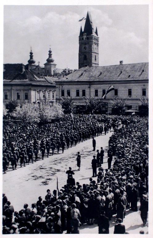 Nagybánya:gyalogos honvédek bevonulása.1940